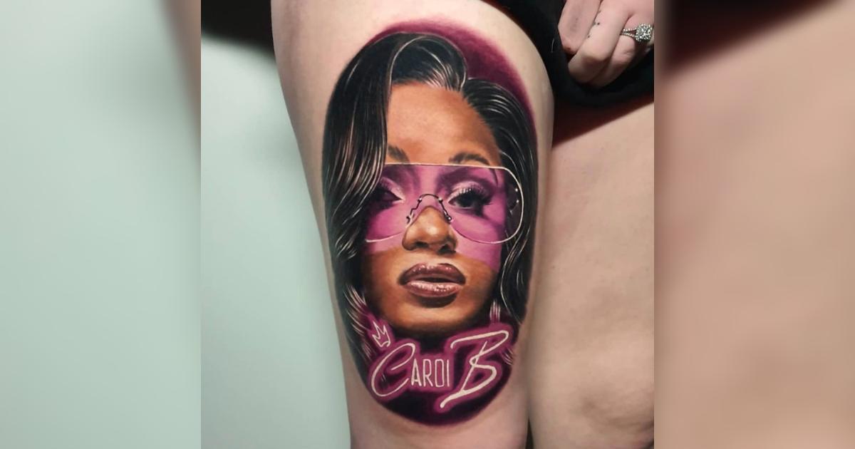 Cardi B(カーディ・B)が自分の顔をタトゥーとして入れたファンに生涯無料でライブに行く権利を与える