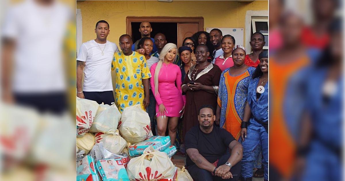 Cardi B(カーディ・B)がナイジェリアの孤児院に水や生理用品などを寄付。「あなたたちはとても大切な存在だ。」