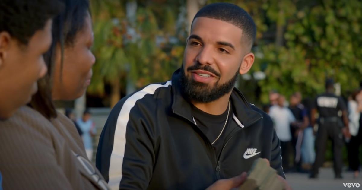 Drake(ドレイク)がSpotifyで500億再生を達成した初のアーティストとなる。全人類が平均で6.4回ドレイクの楽曲を再生した計算